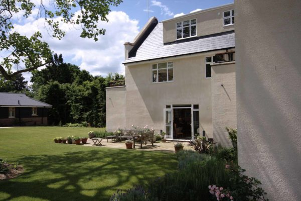 07 Listed Arts Crafts annexe terrace
